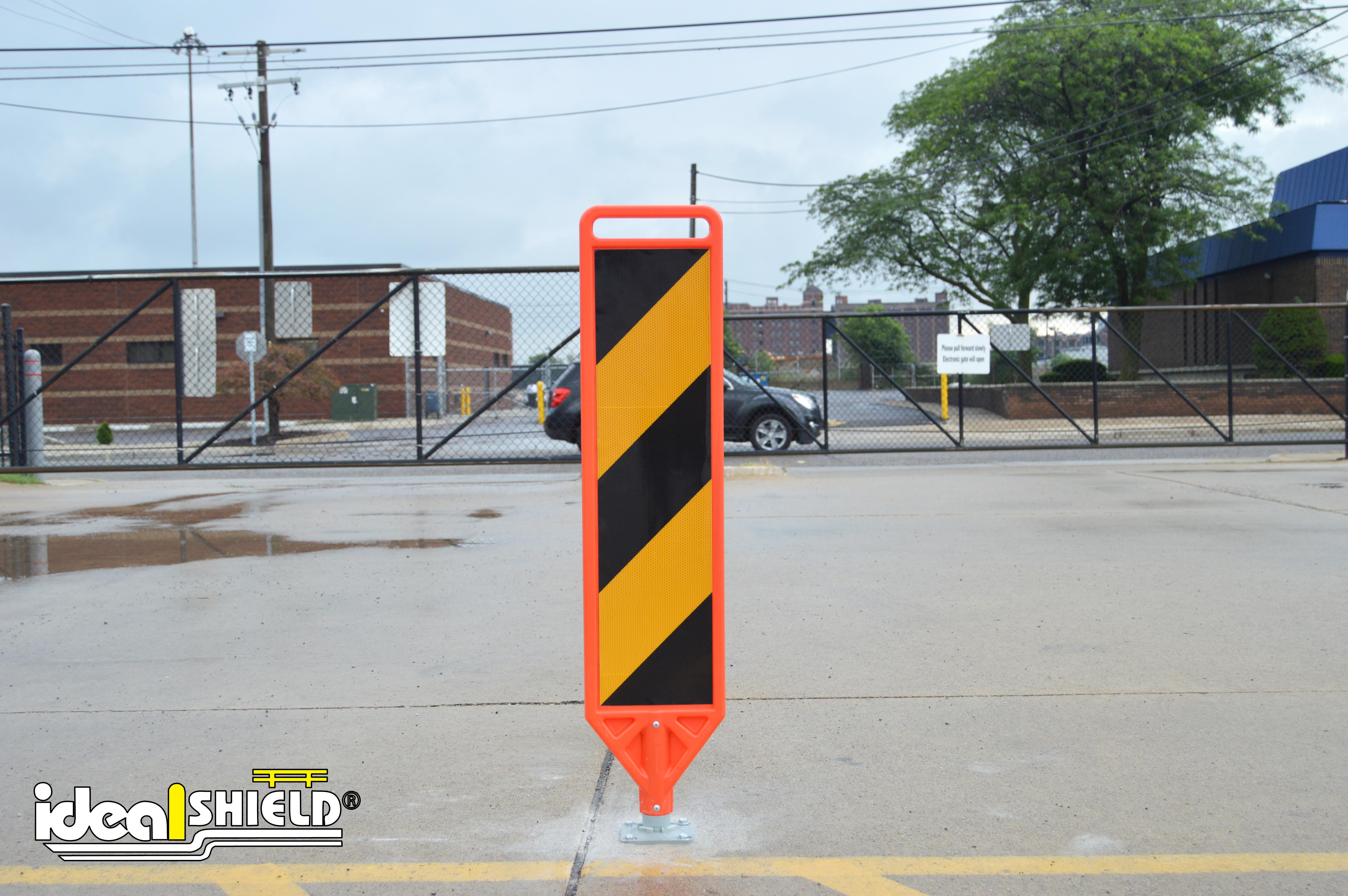 Flexible Delineator Paddle with Caution Stripes