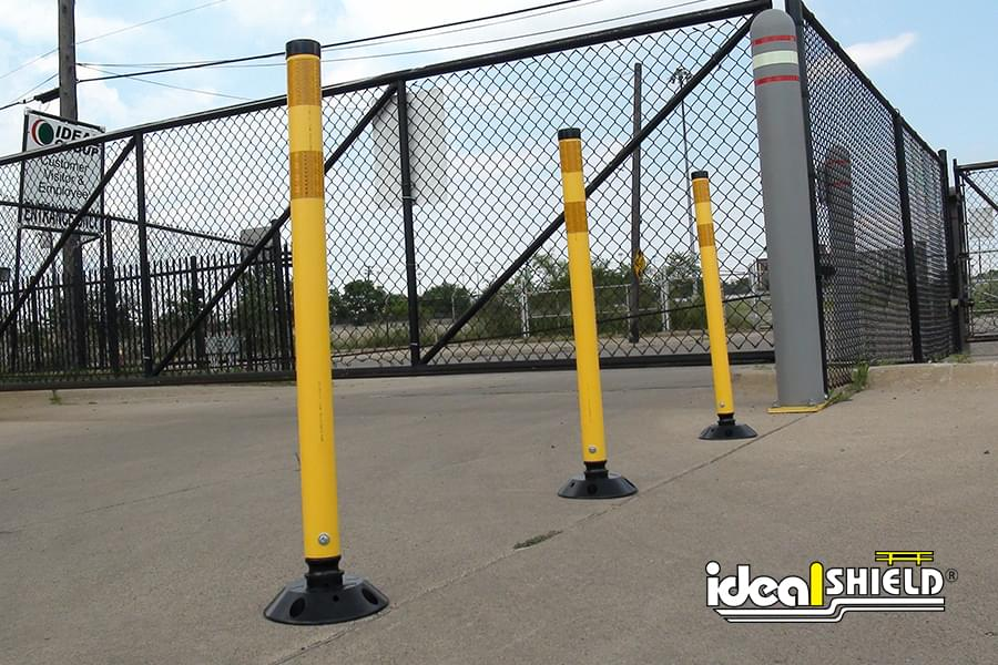 Delineator Posts Used To Direct Traffic Temporarily