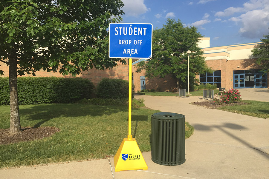 Ideal-Shields-Portable-Sign-Bases-used-for-student-signage