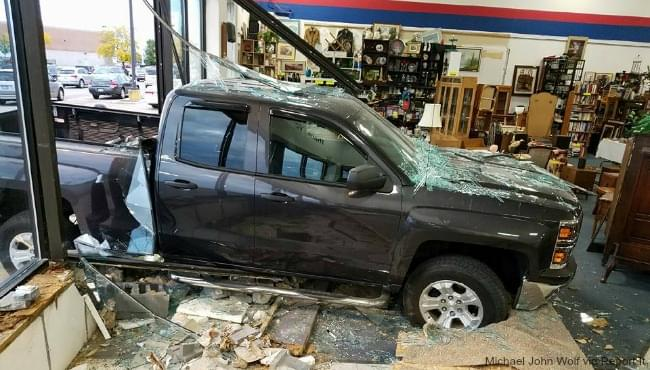 centerpointe-mall-crash-102216