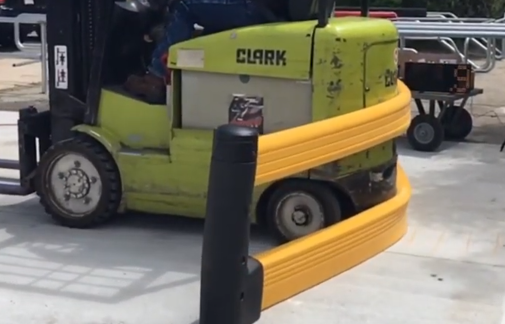 Flexible guardrail forklift crash test