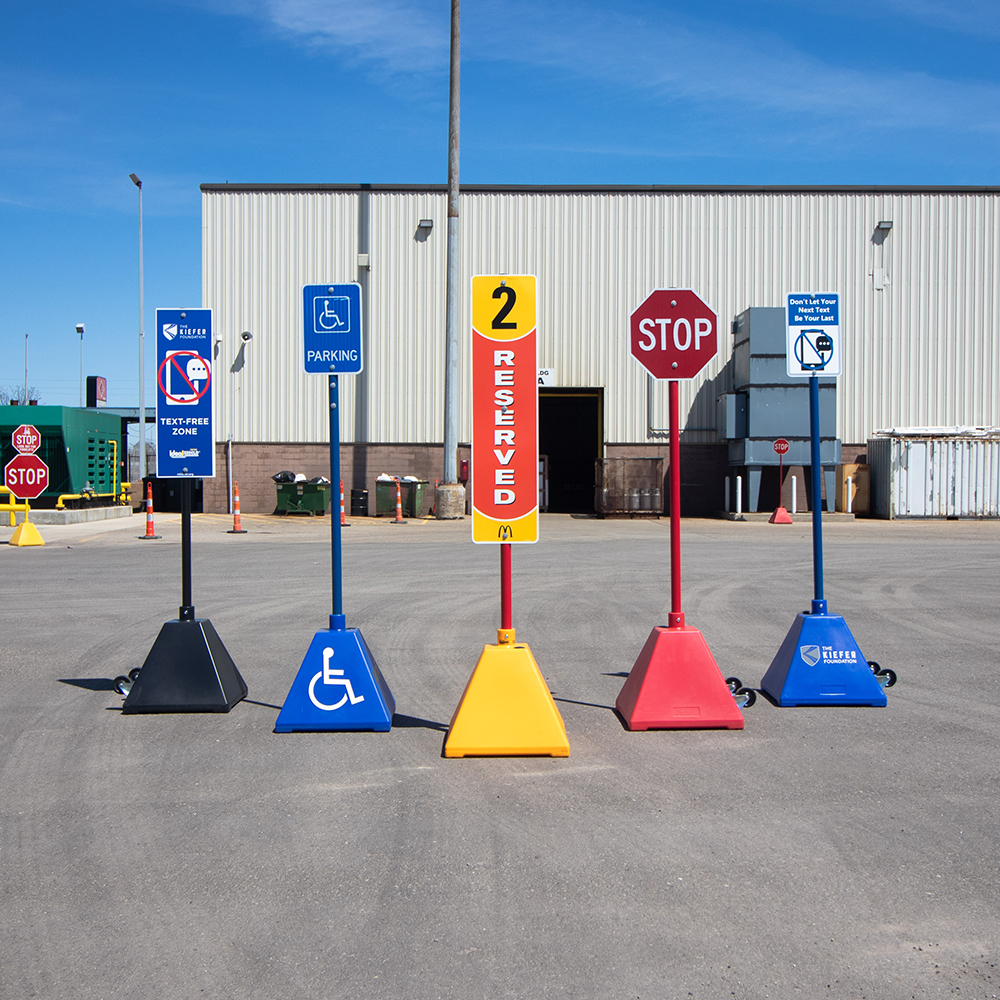 Ideal Shield's Pyramid Sign Bases are perfect for curbside pickup services.